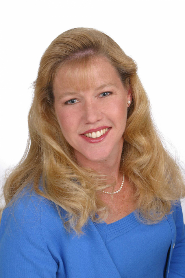 pamela darby of kentwood real estate earns special designations