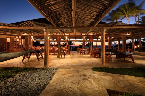 Hualalai Canoe Club dining