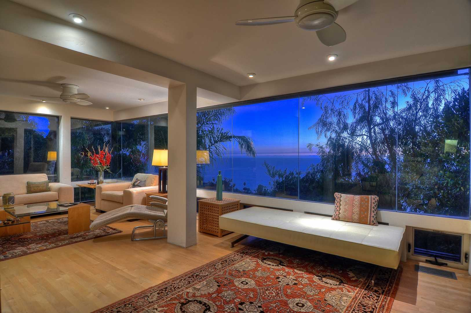 Laguna beach contemporary home for sale luxuryrealestate for Laguna beach luxury real estate