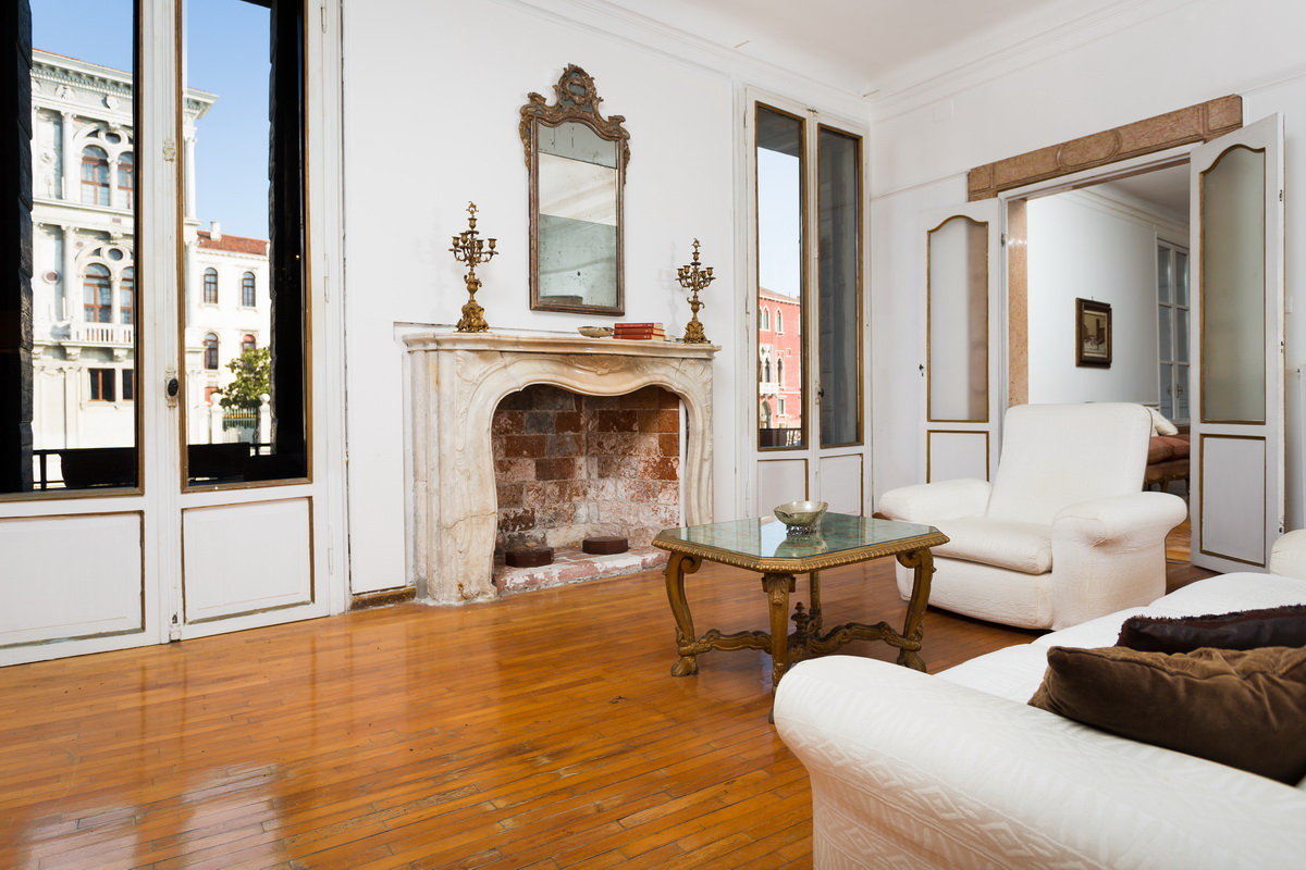 Apartment for sale in Venice, on the Canal Grande - S5S4 ...