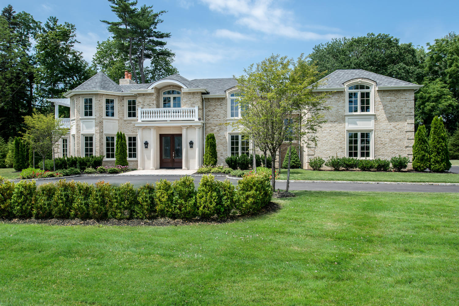 Floral park ny homes for sale long island real estate for Long island estates for sale