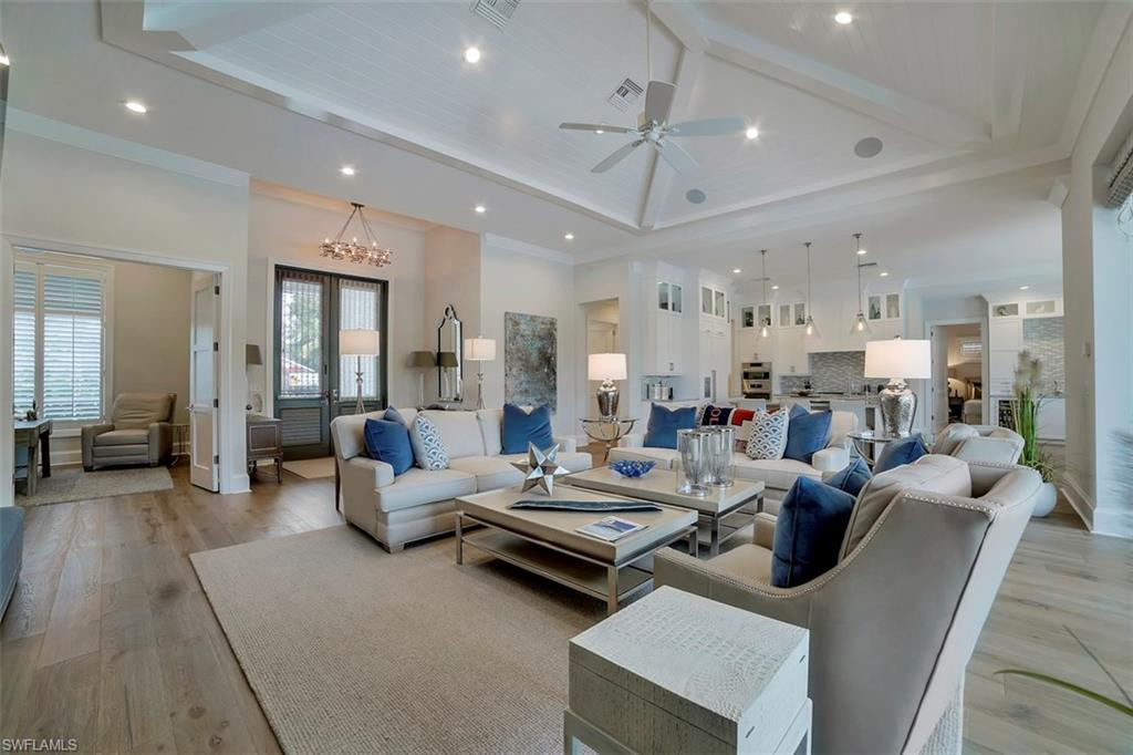 784 Anderson Drive interior