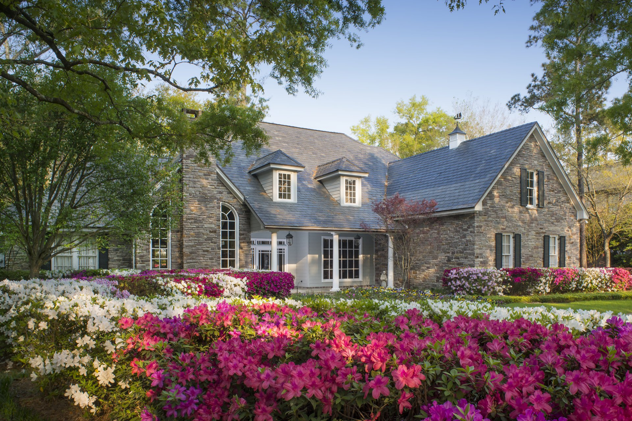 819 Country Lane