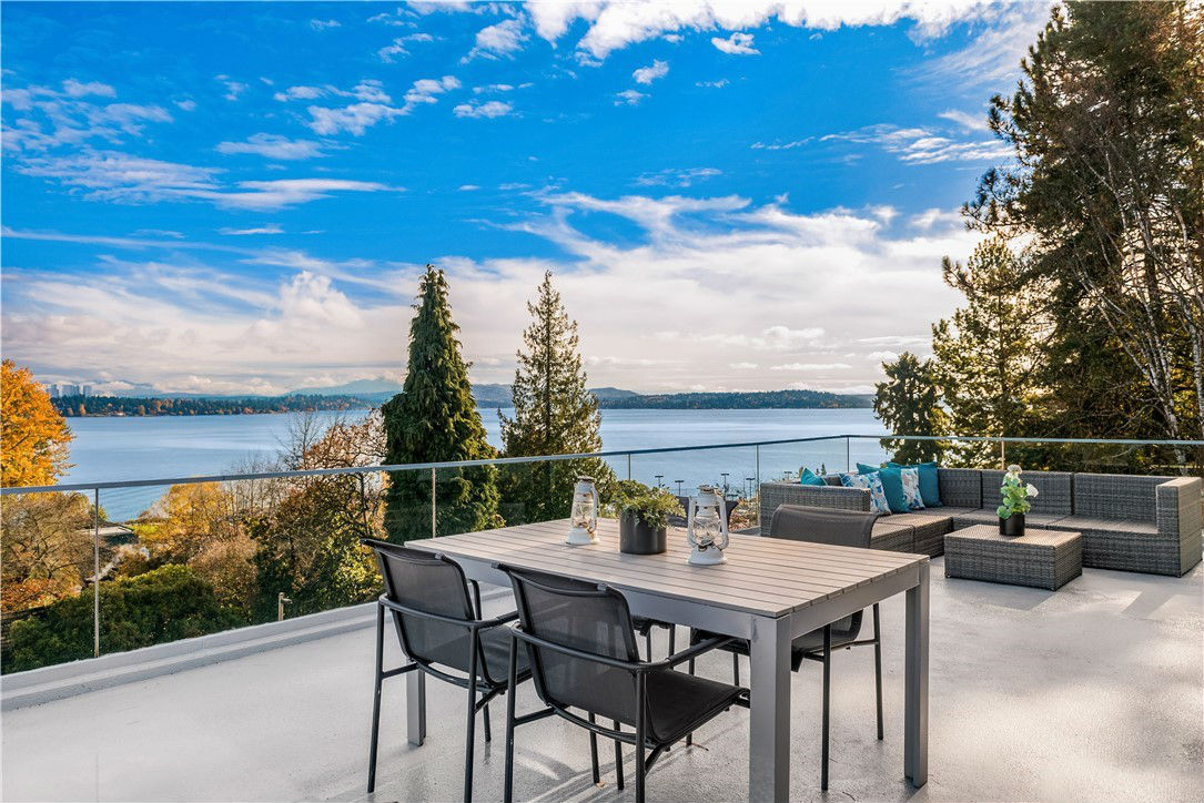 Built in 1954 and remodeled in 2017, is 6,040 square feet and overlooks Lake Washington and the Cascade Mountains