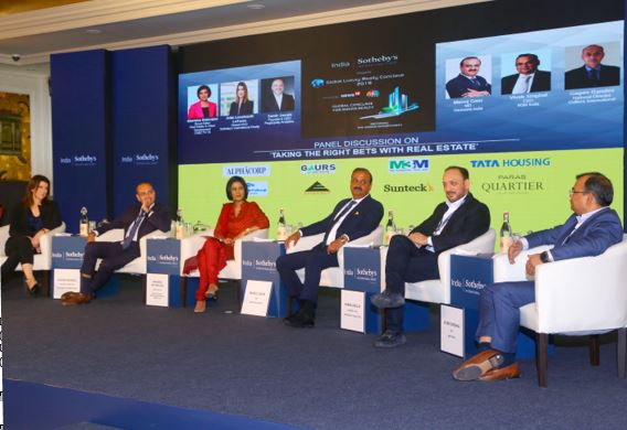 L-R: Julie Leonhardt LaTorre (Global COO, Sotheby's International Realty), Gagan Randev (National Director, Colliers International),  Manisha Natarajan (Group Editor, Real Estate & Urban Development, CNBC TV 18), Manoj Gaur (MD, Gaursons India), Samir Jasuja (Founder & CEO, PropEquity Analytics), Vivek Singhal (CEO, M3M India)