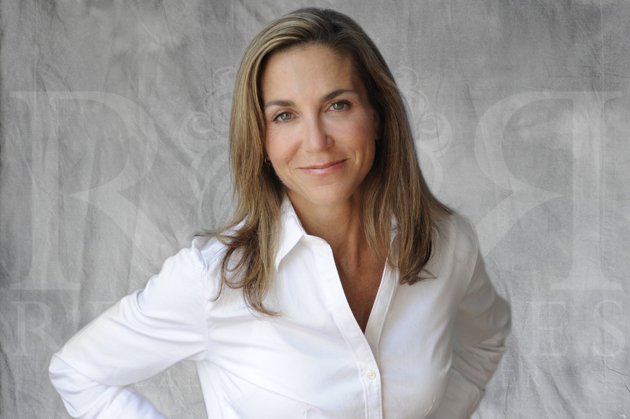 Patrice Carden recipient of the Featured Luxury Agent Award