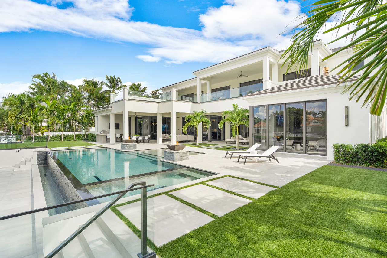 271 Coconut Palm Road in Royal Palm Yacht & Country Club