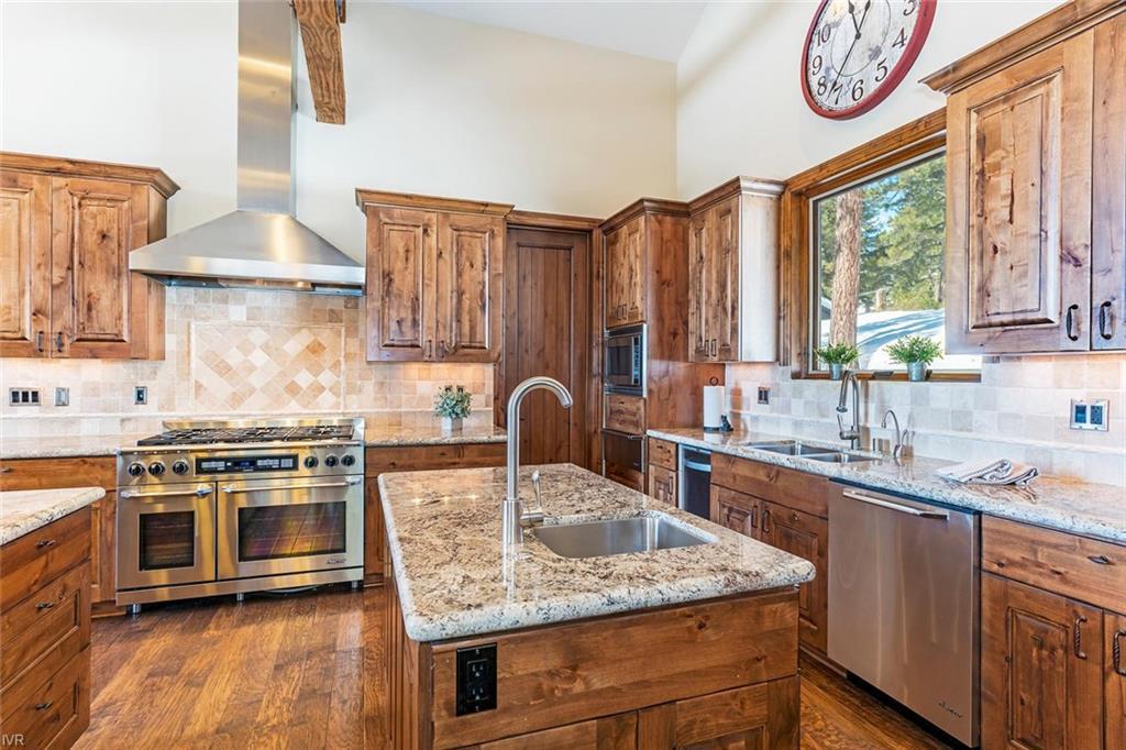 Kitchen - 558 Dale Drive