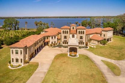 17800 Palm View Circle, Mount Dora, Florida