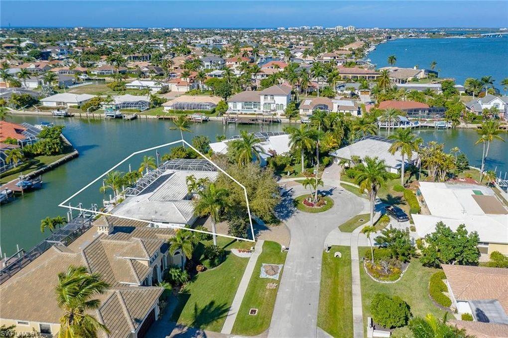 358 Meadowlark Ct Marco Island, FL