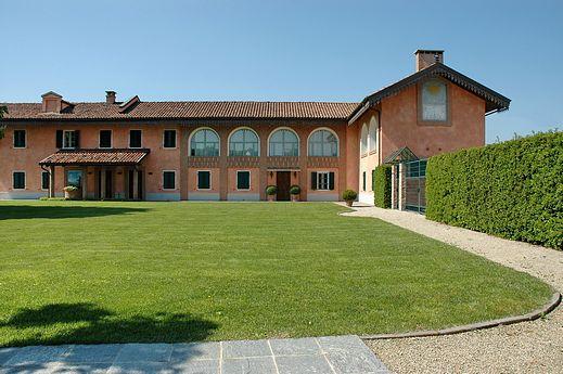 Asti villa purchase price
