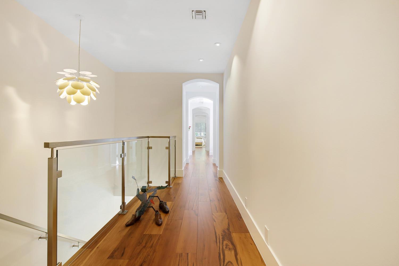 "<span class=""caption-true"">Upstairs Corridor</span>"