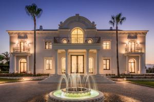 Large Majestic Villa with Sea Views in Hacienda las Chapas, Marbella