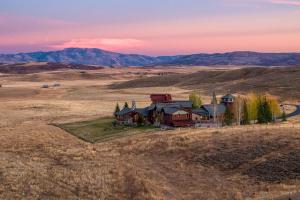 Farm/Estate - Steamboat Springs, CO