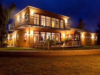 Villa with Mediterranean influences