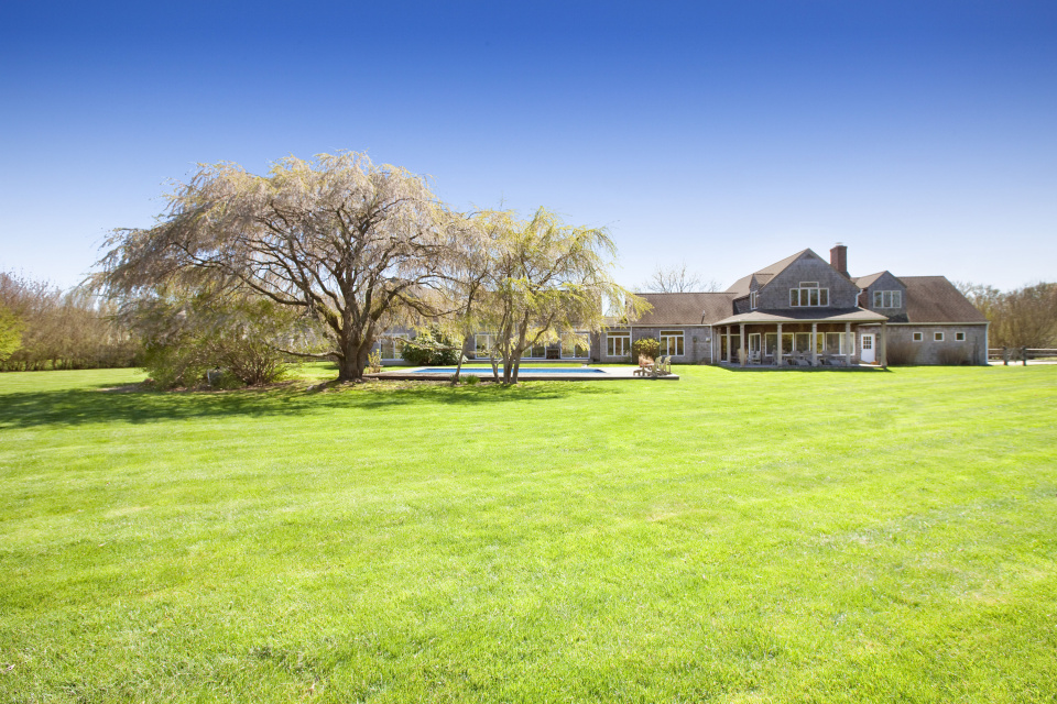 Sagaponack south country living for Country living magazine phone number
