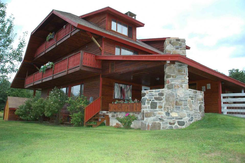 Adirondack mountain paradise upstate new york for Luxury new york real estate