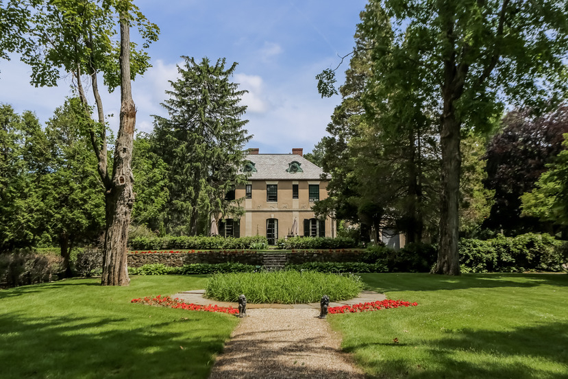 Magnificent italianate revival on 39 acres for Country living magazine phone number