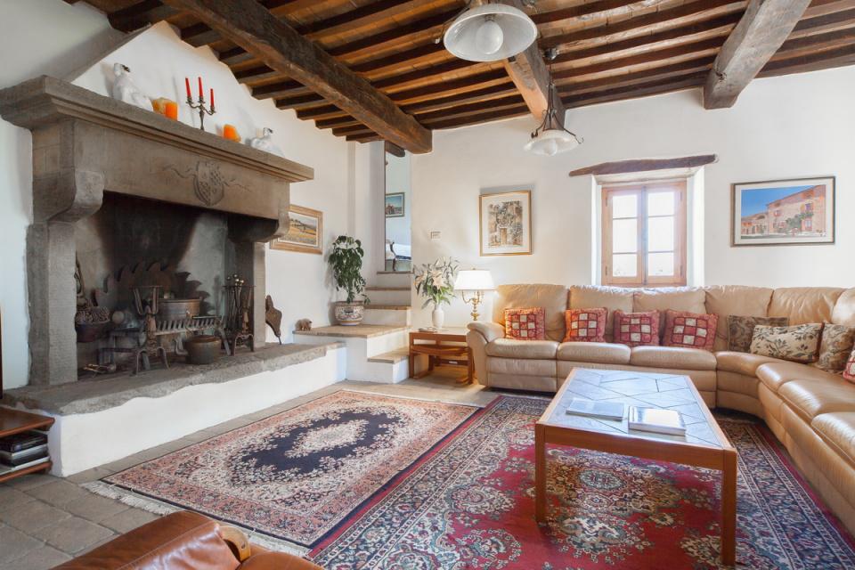 Casale del nibbio g873 for Interni di casali