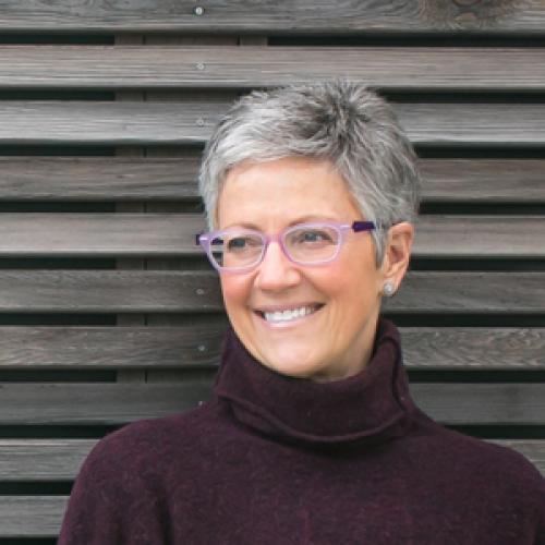 Leslie Hogan