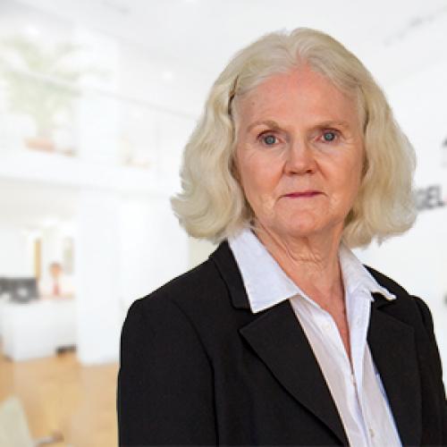 Lois Cumming